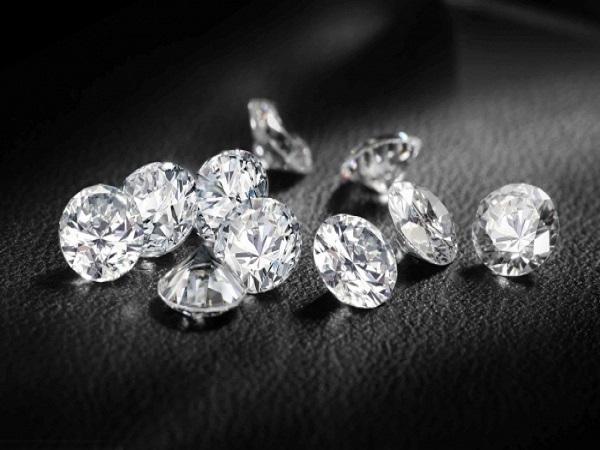 Chiêm bao thấy kim cương nên đánh số đề con bao nhiêu?
