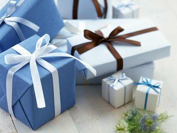 Mơ thấy được tặng quà là điềm báo lành hay dữ?