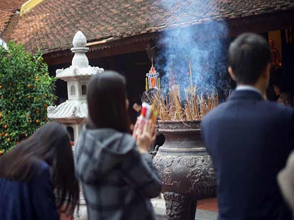 Ý nghĩa của việc thực hiện nghi thức cầu công danh tại chùa