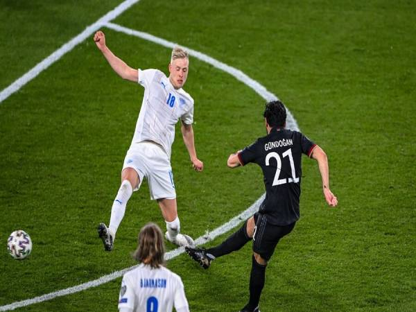Tin bóng đá chiều 27/3: Đức: Chiến thắng đậm chất Bayern